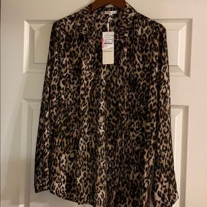ANIMAL PRT LONG SLEEVE BLOUSE A MUST HAVE
